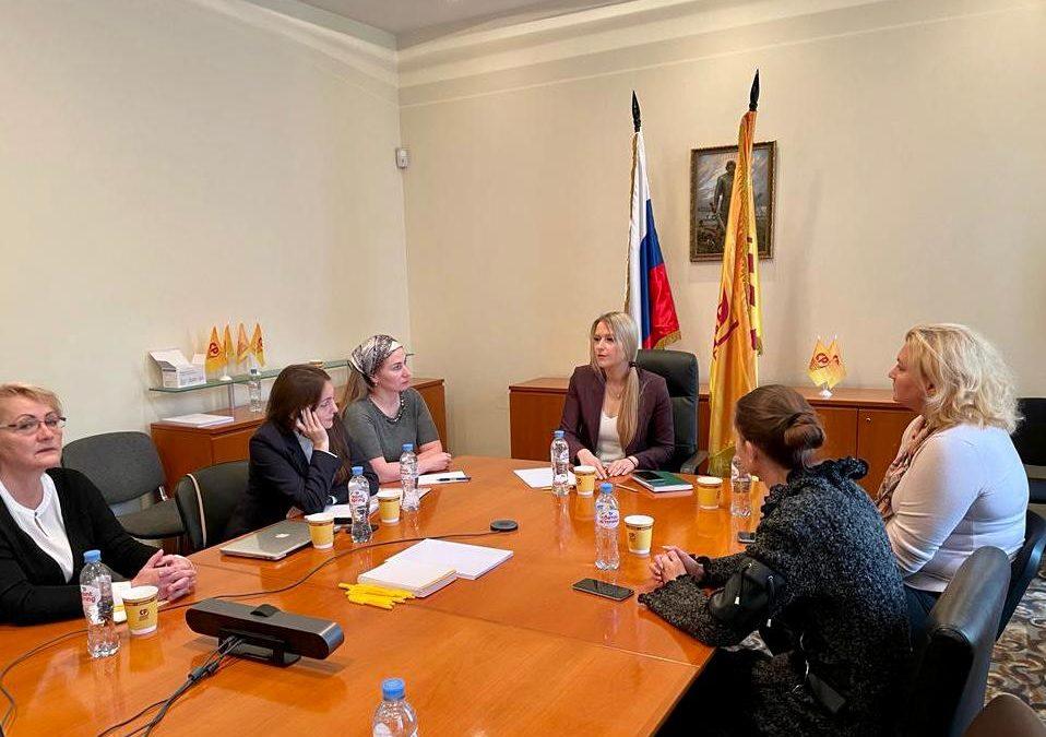 Яна Лантратова будет представлять интересы родителей в Комитете Государственной Думы по просвещению